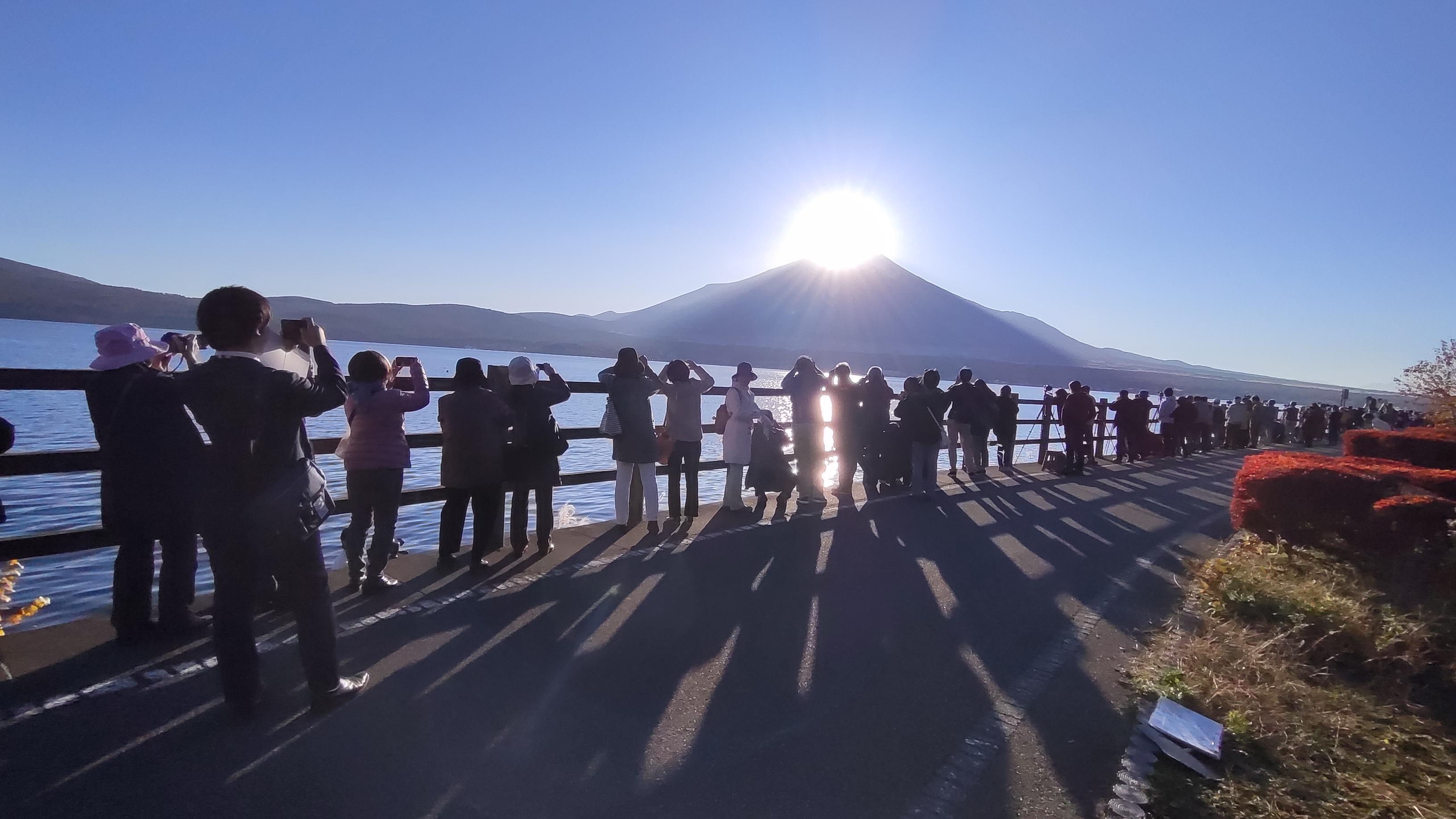 地元ガイドによるダイヤモンド富士撮影ポイント!山中湖が聖地の理由 post thumbnail image
